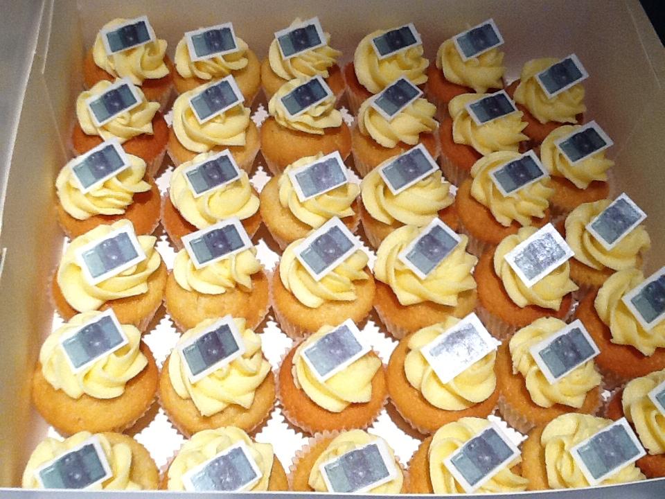 Lolit' Cupcakes Yellow - Et, tout se mange ! Même le logo !