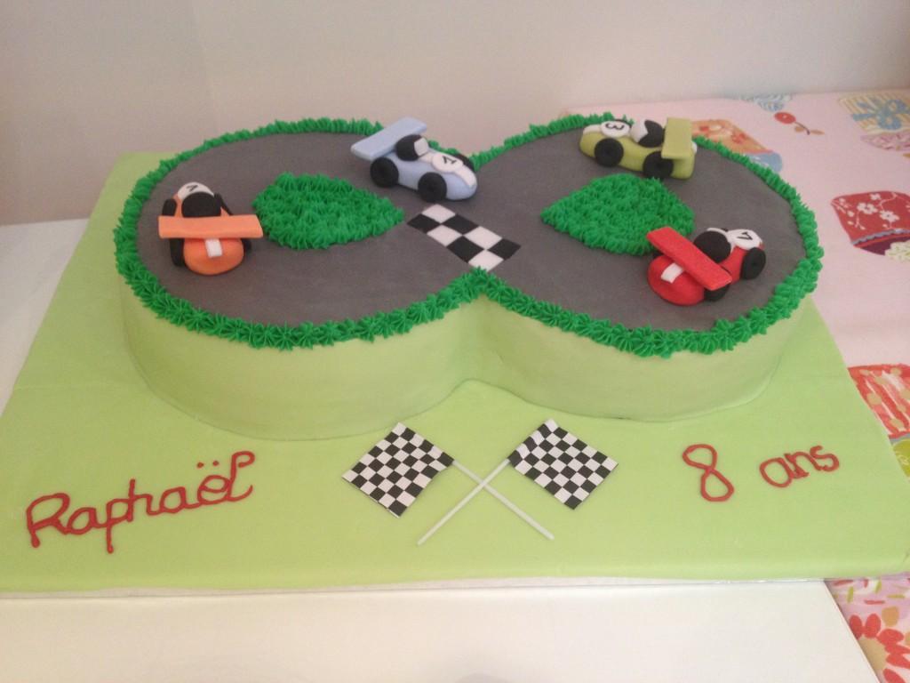 Gâteau circuit voiture